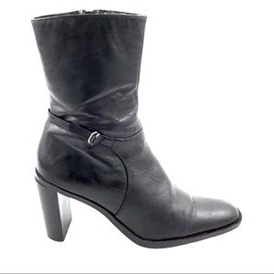 THOM McAn Black Leather Heeled Boots